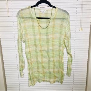 🐛SALE 5 for $25 • Creamy Green Tunic Top